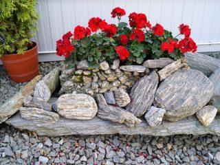 Используем камни в ландшафтном дизайне участка своими руками