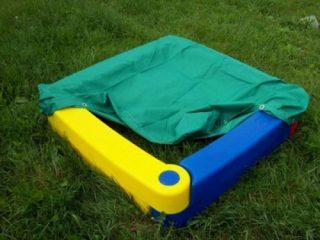 Пластмассовая песочница для дачи