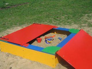 Песочница для дачи с крышкой