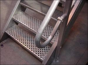 Лестница в погреб своими руками из металла