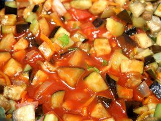 Икра баклажанная с томатной пастой: рецепт