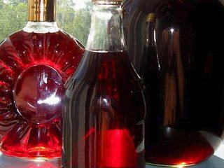 Вино из чернослива в домашних условиях: простой рецепт