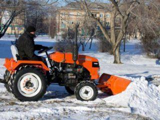 Минитрактор снегоуборщик