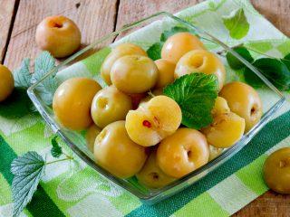 Чем полезны моченые яблоки