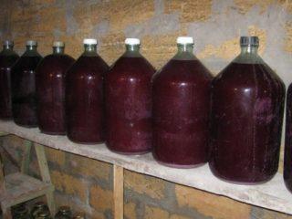 Как сделать домашнее вино из красного винограда