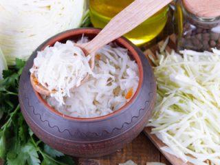 Рецепт маринованной капусты с медом и хреном