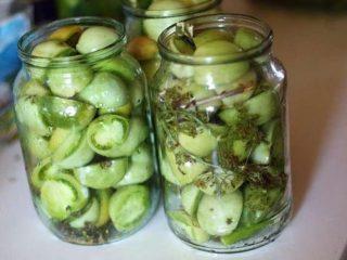 Рецепт маринованных зеленых помидоров с чесноком и зеленью