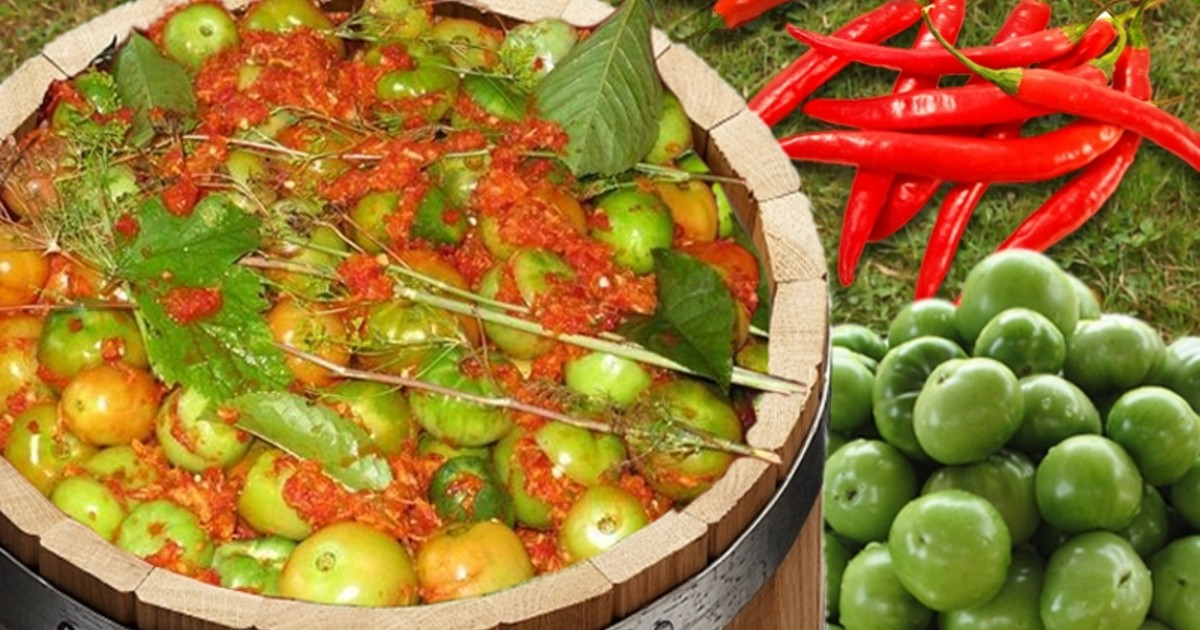 Квашеные зеленые помидоры с хреном