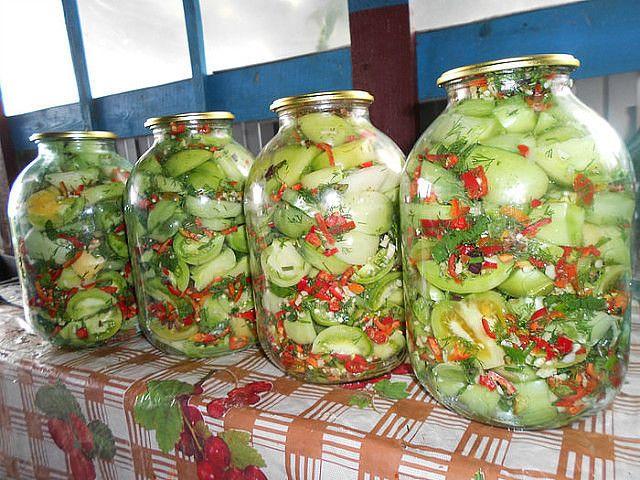 Закуска острая из зеленых помидоров