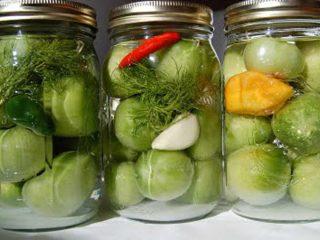 Рецепт зеленых помидоров с чесноком на зиму