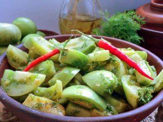 Острый салат из зеленых помидоров «Кобра»