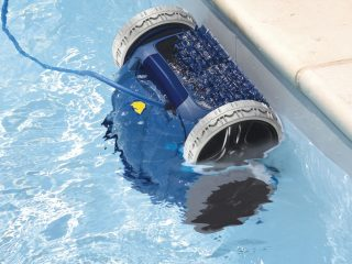 Набор для чистки бассейна на даче