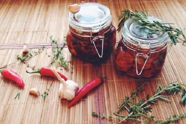 Бурые помидоры на зиму без стерилизации