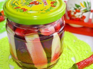 Салат на зиму из кабачков и свеклы