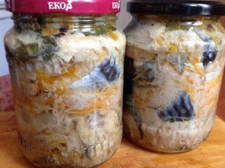Консервированная скумбрия с овощами на зиму: 20 рецептов