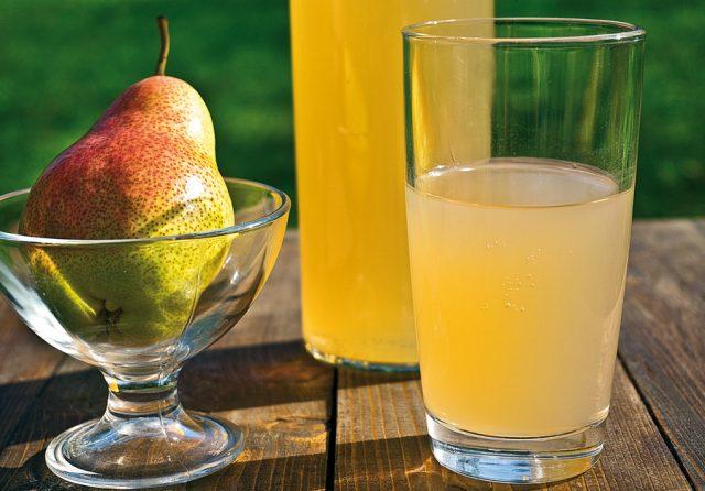 Грушевая настойка на сушенных и копченных грушах, на водке, на спирту