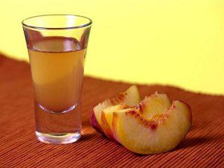 Наливка из персиков в домашних условиях