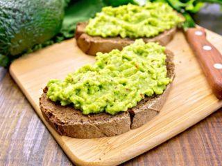 Паштет из авокадо: рецепты с чесноком, яйцом, тунцом