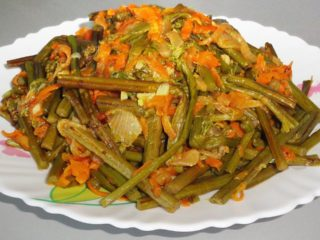 Салат из соленого папоротника: 12 рецептов с фото