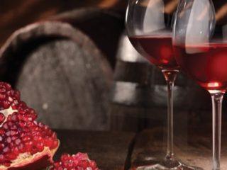 Вино из граната: чем полезно, как приготовить, чем закусывать