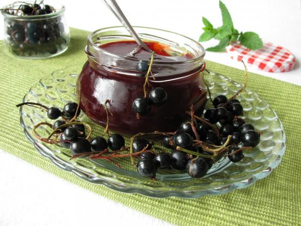 Варенье-пятиминутка из черной смородины на зиму как желе, через мясорубку, в микроволновке