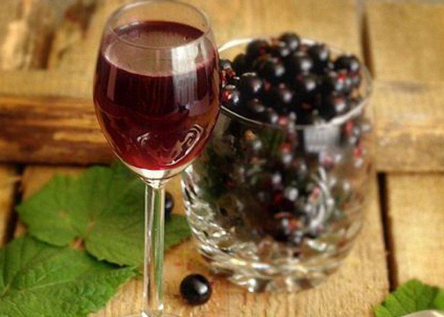 Домашняя наливка из смородины на водке, спирту, самогоне, из забродивших ягод