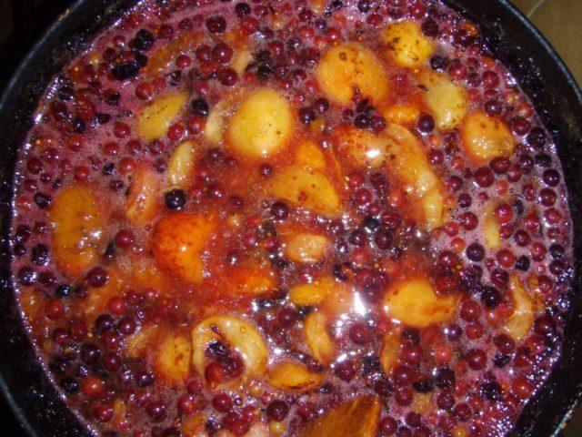 Варенье из черной смородины на зиму густое, без сахара, протертое, жидкое