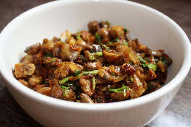 Волнушки, жареные с картошкой на сковороде как жарить, вкусные рецепты