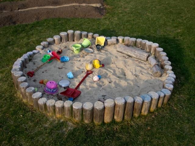 Круглая песочница своими руками