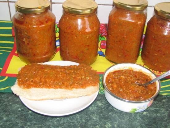 Икра из кабачков с томатной пастой