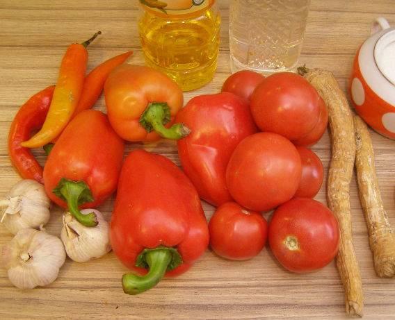 Аджика из помидоров с чесноком и хреном