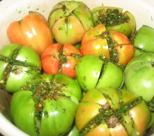 Армянчики из зеленых помидор
